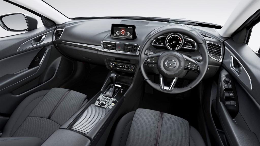 2017 Mazda3 04