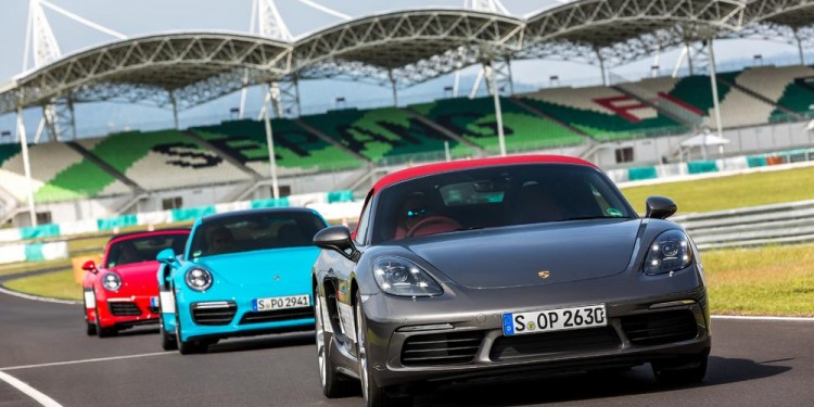 Porsche World Roadshow 02