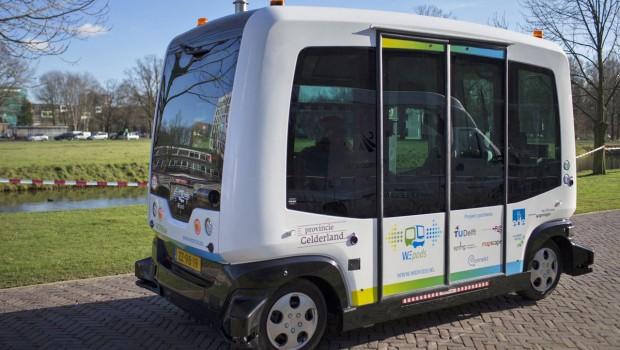 driverless-bus-620x350