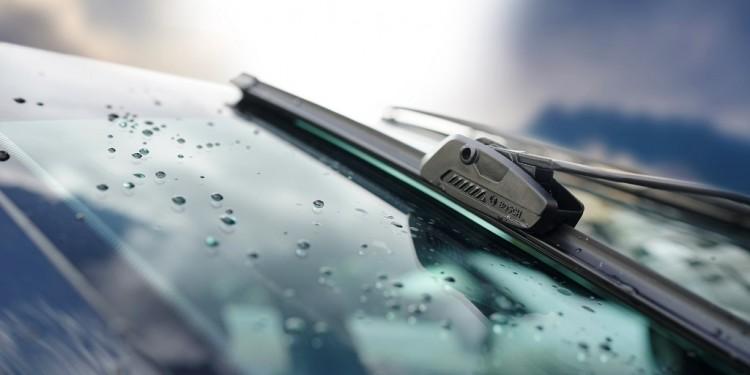 Bosch Clear Advantage Wiper (2) LowRes