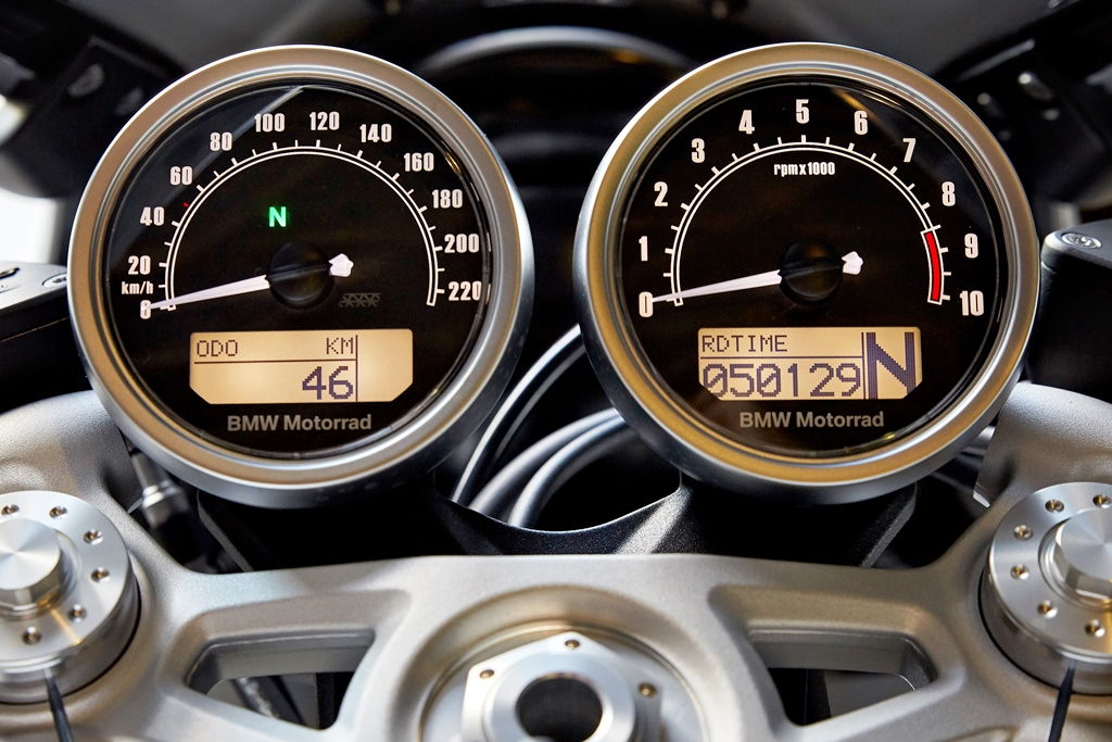 P90232639_highRes_the-new-bmw-r-ninet-