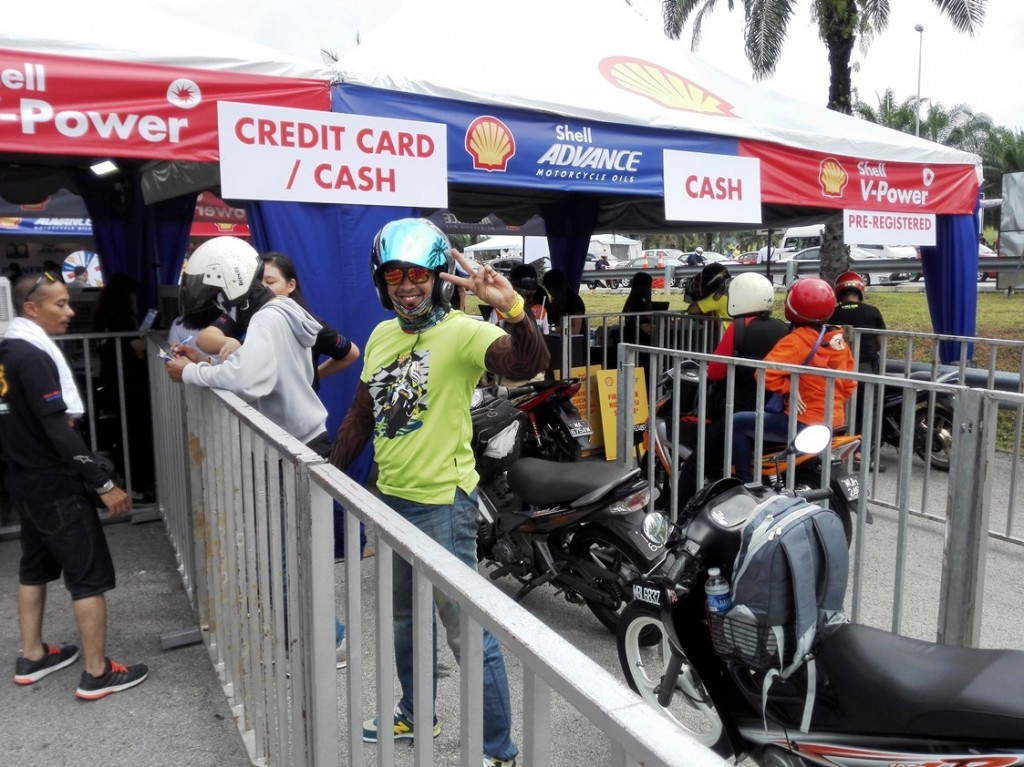 Queuing up for the Shell Advance Ride Thru Oil Change service at the 201...