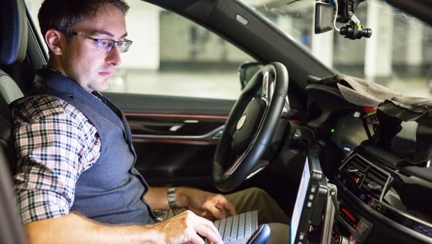 BMW-Self-Driving1-1-620x350