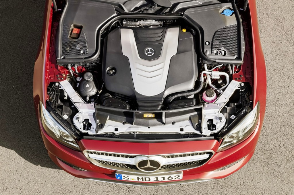 Mercedes-Benz E-Class Coupe 06