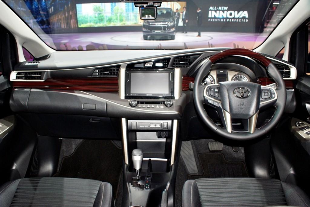 Toyota Innova Launch 17