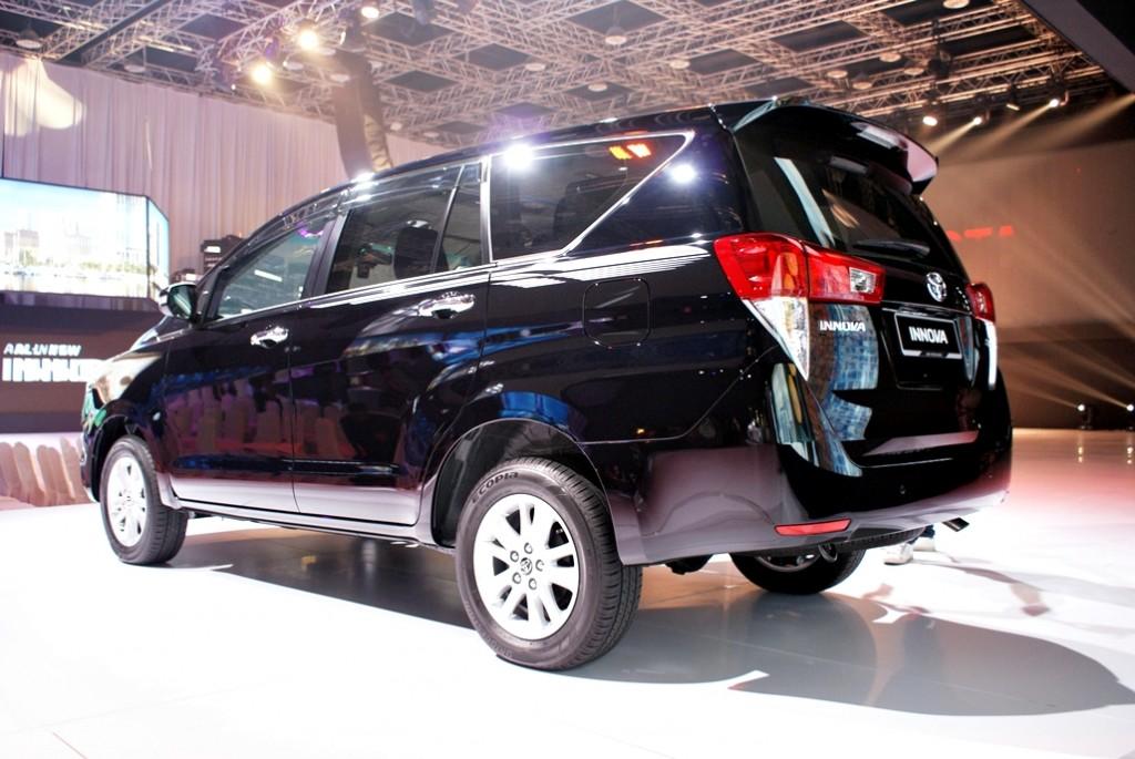 Toyota Innova Launch 20