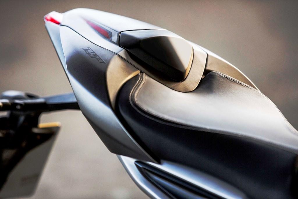 2017 Triumph Street Triple RS 03