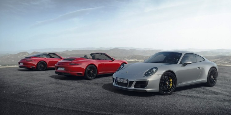 2018-Porsche-911-GTS-1