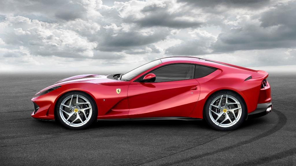 Ferrari 812 Superfast 02
