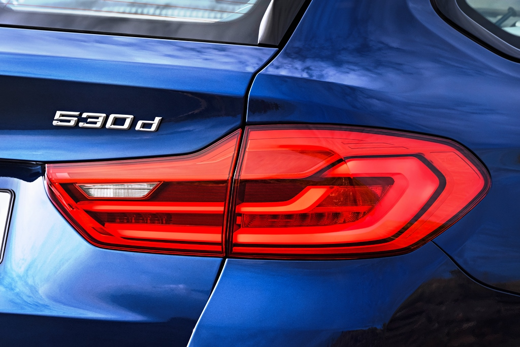 P90245006_highRes_the-new-bmw-5-series
