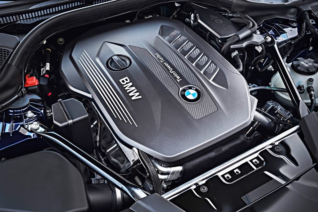 P90245051_highRes_the-new-bmw-5-series