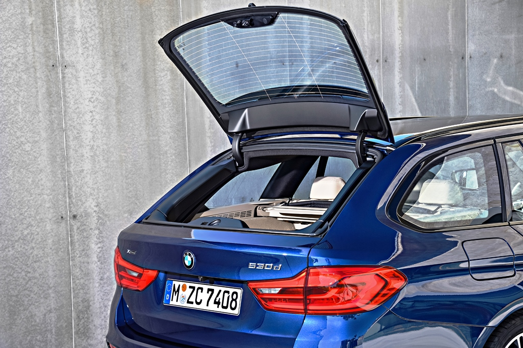 P90245052_highRes_the-new-bmw-5-series