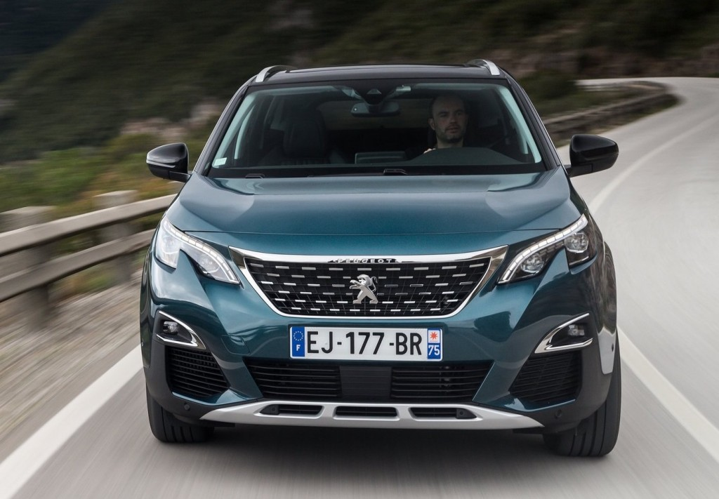 Peugeot-5008-2017-4
