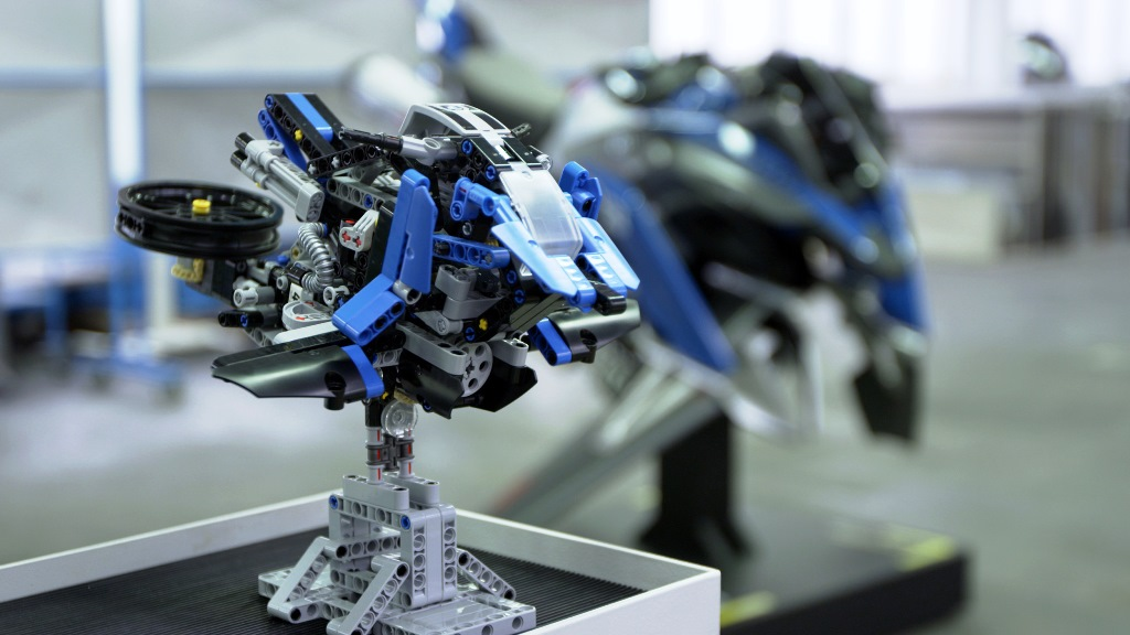 highres-lego-technic-bmw-hover-ride-1