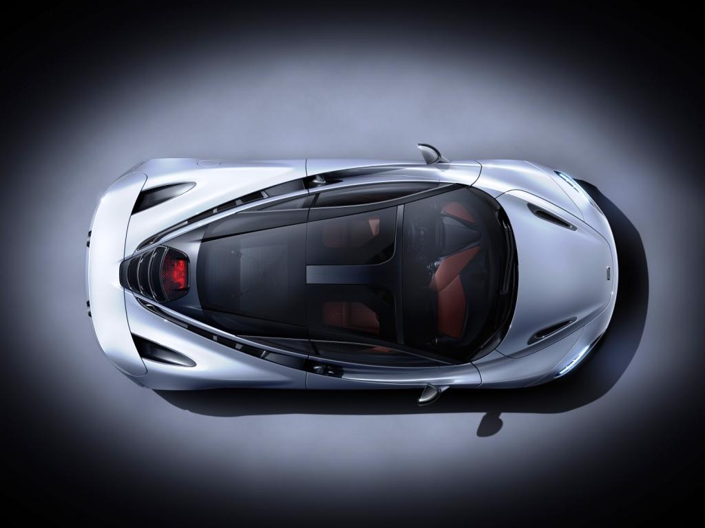 7534-McLaren+720S-03-Studio