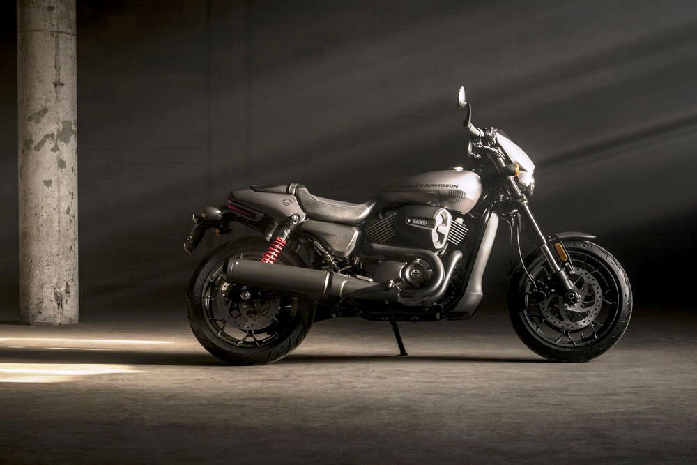 Harley-Davidson Street Rod 750 02