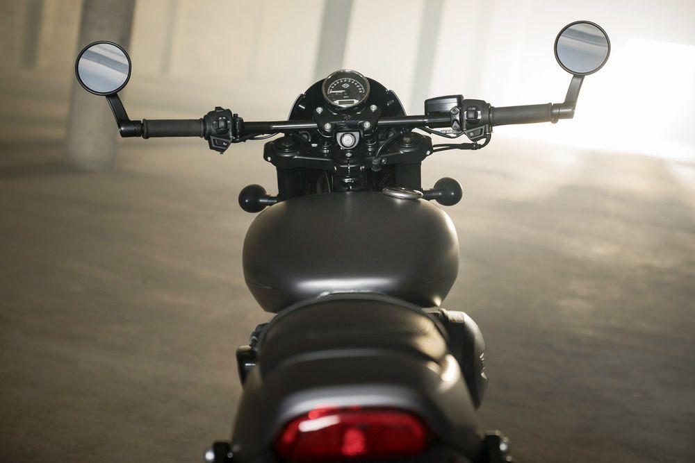 Harley-Davidson Street Rod 750 03
