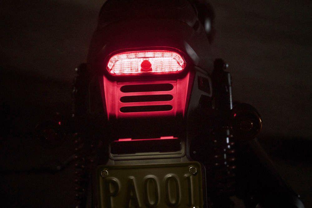 Harley-Davidson Street Rod 750 05