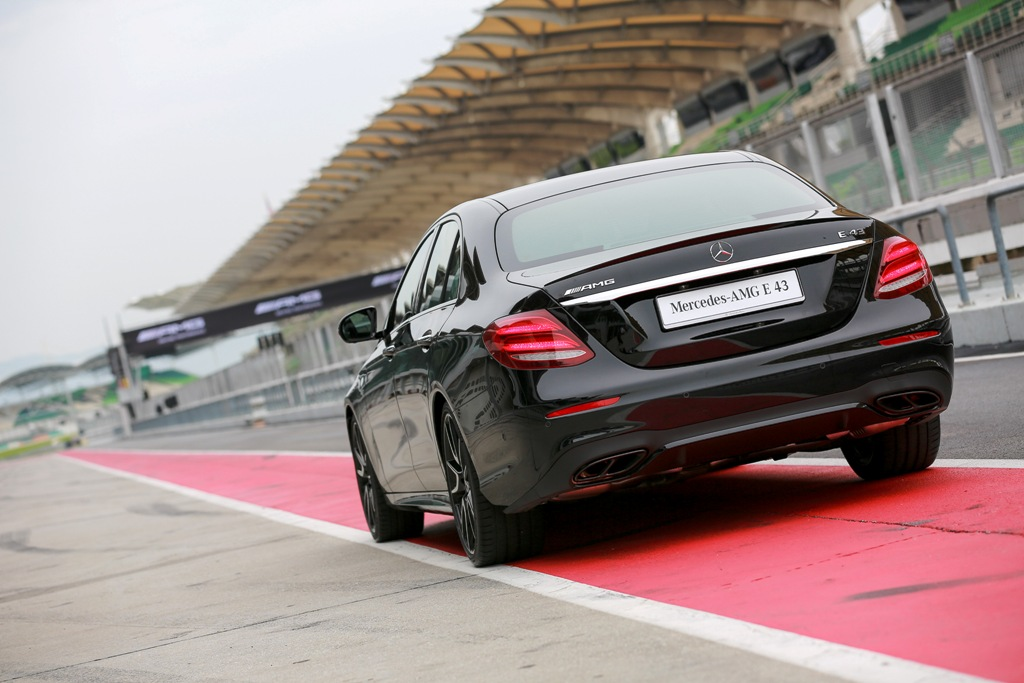 Mercedes-AMG E 43 4MATIC (4)