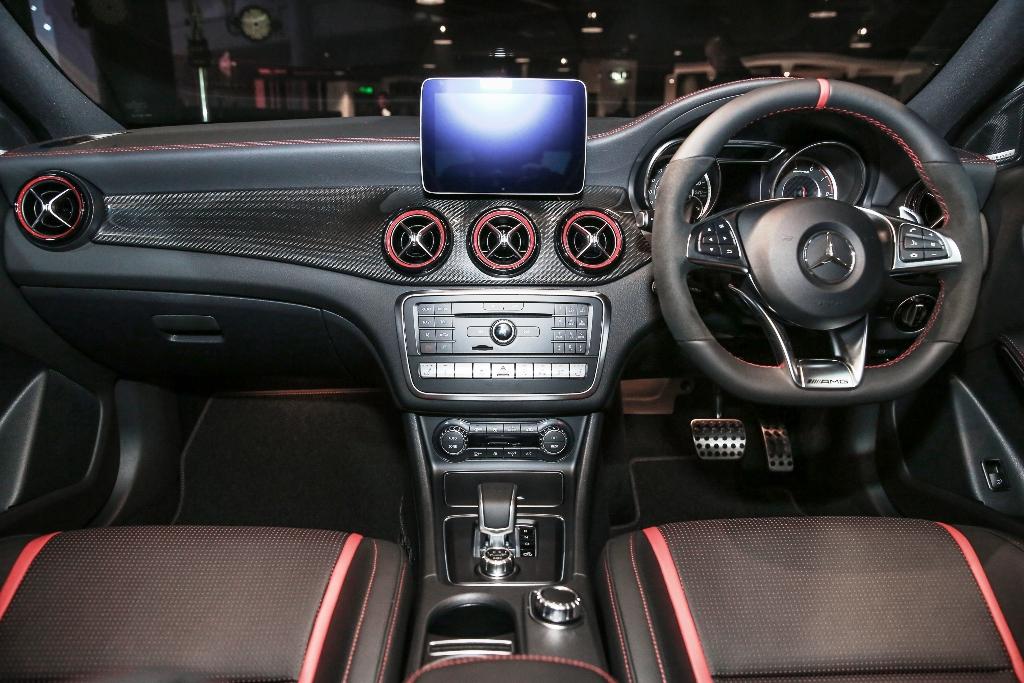 Mercedes-AMG GLA 45 4MATIC (20)