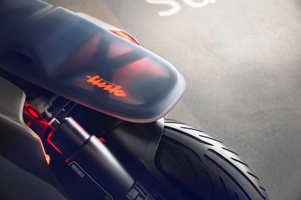 P90260582_highRes_bmw-motorrad-concept