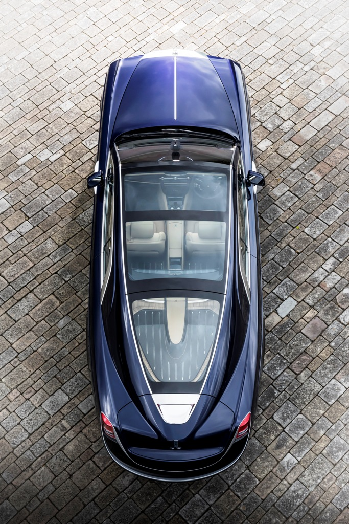 P90261368_highRes_rolls-royce-sweptail