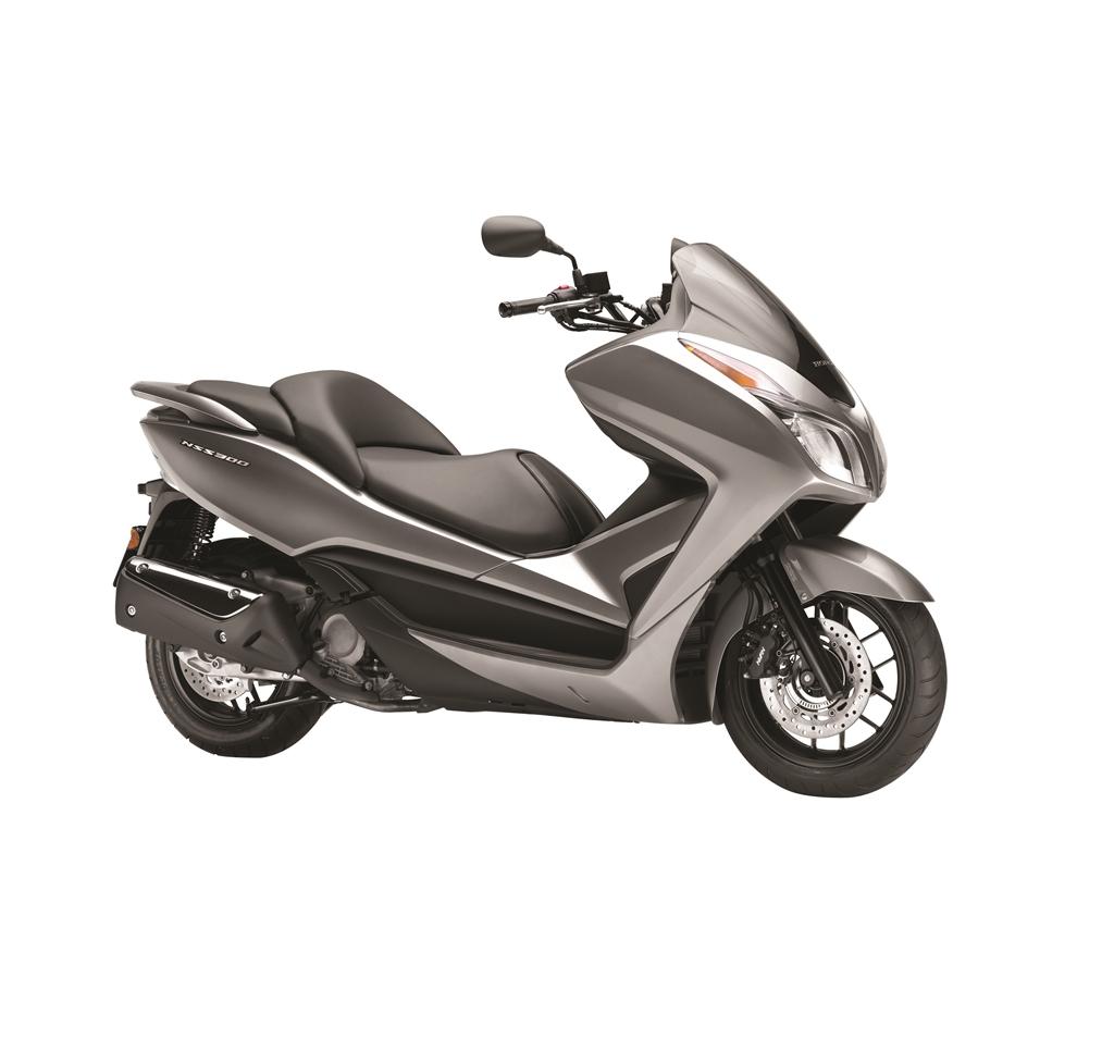 2017 Honda NSS300 06