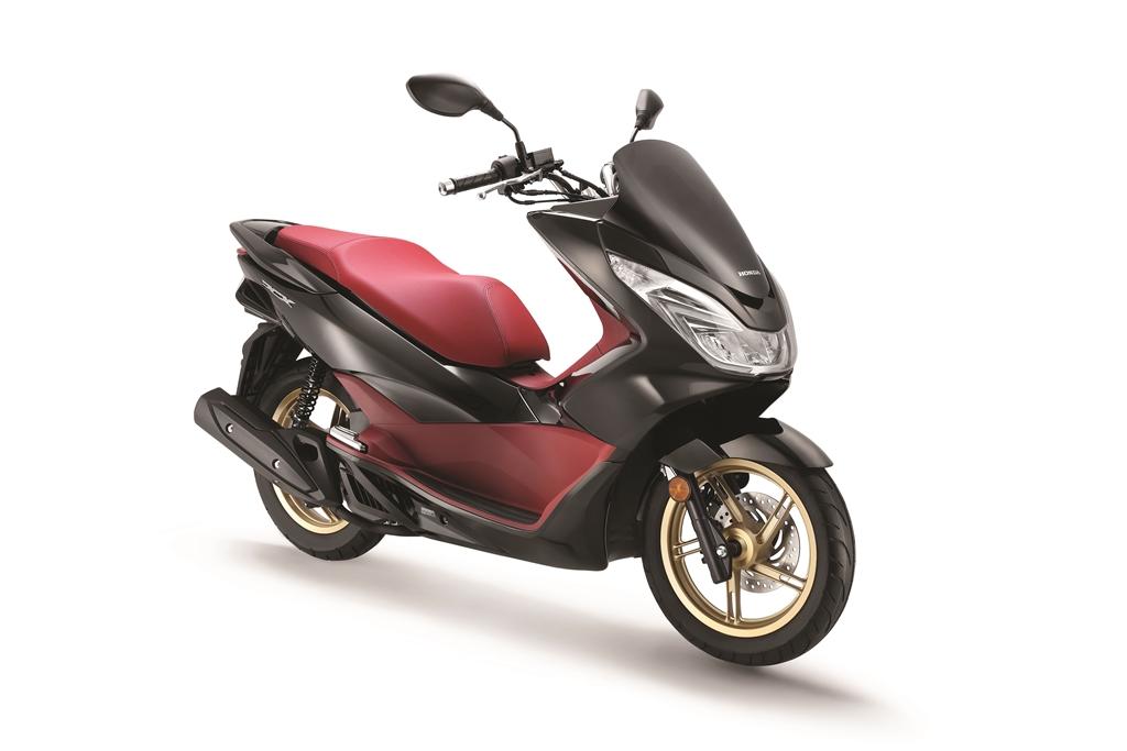 2017 Honda PCX 06