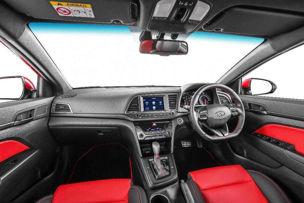 Elantra 1.6 Turbo Sport Interior
