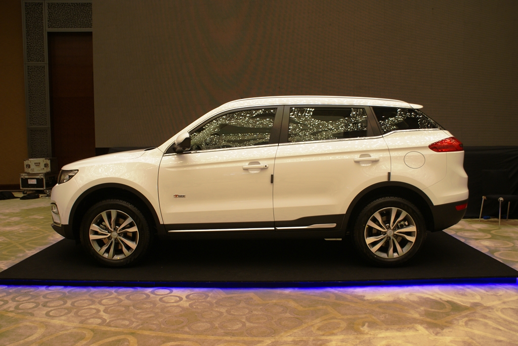 Geely Boyue Preview 12