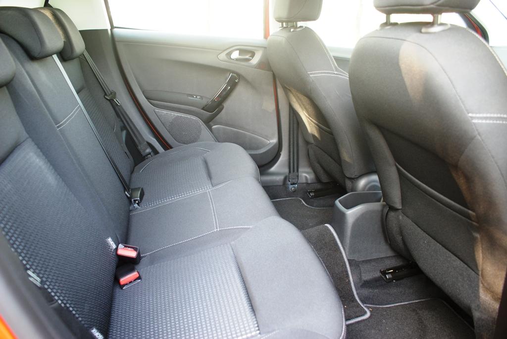 Peugeot 208 PureTech Review 16