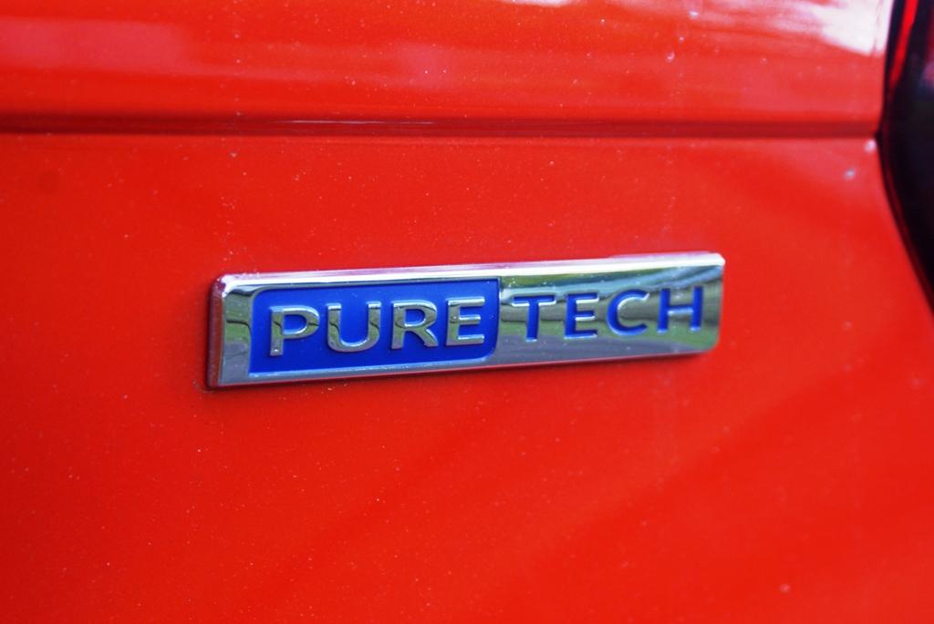 Peugeot 208 PureTech Review 22