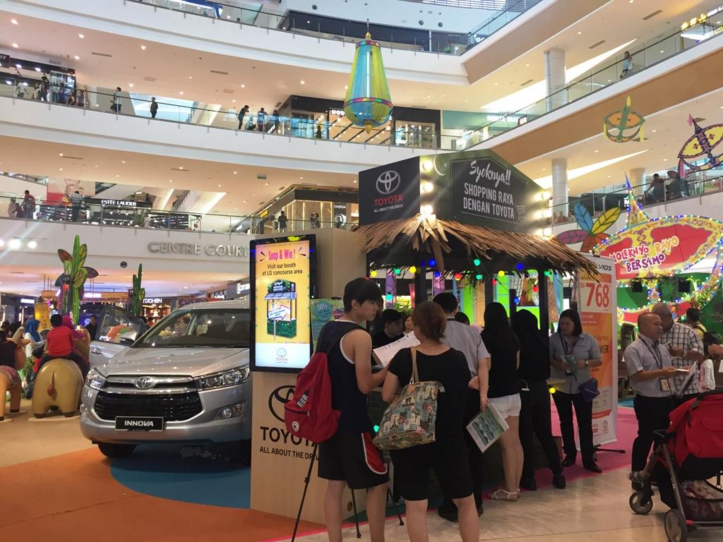 Toyota Booth 'Syoknya!! Shopping dengan Toyota'