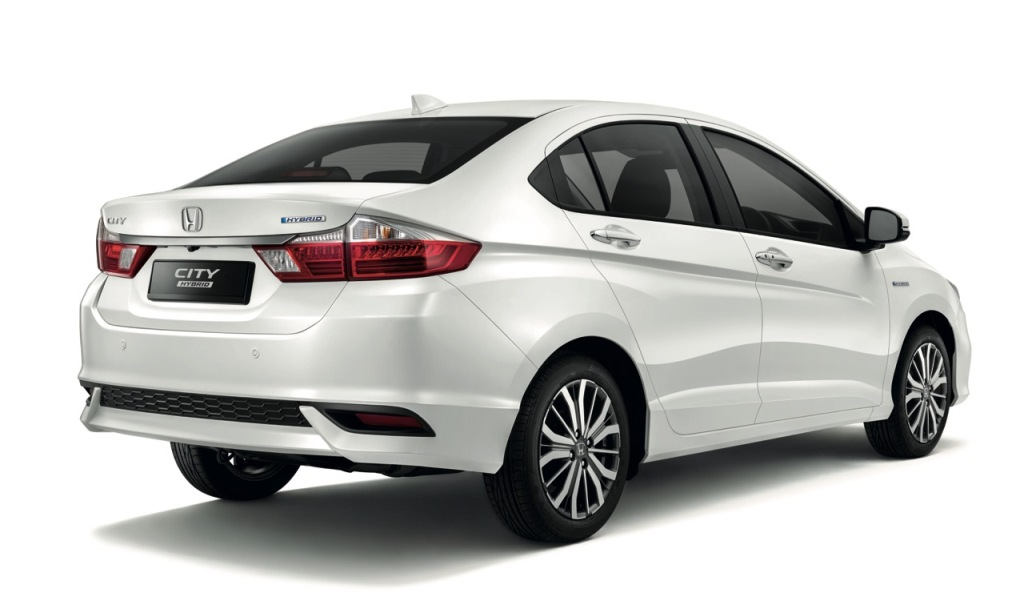 03 The New City Hybrid maintains the City's large boot space at 536L