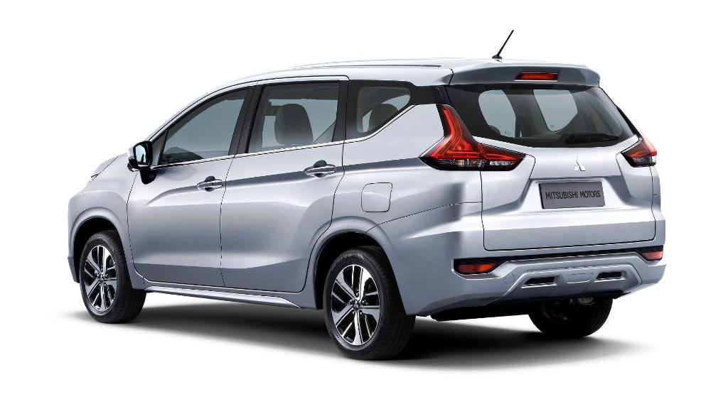 Mitsubishi Expander 02