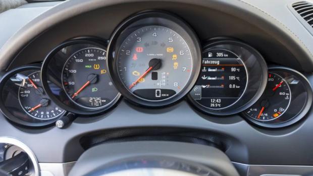 Porsche-cayenne-Diesel-3.0V6a-620x350