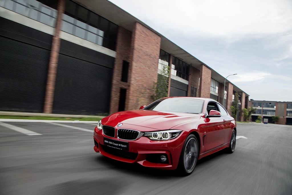 The New BMW 430i Coupé M Sport (2)