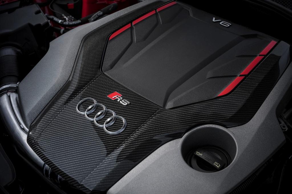 Audi-RSCarbonPack-09