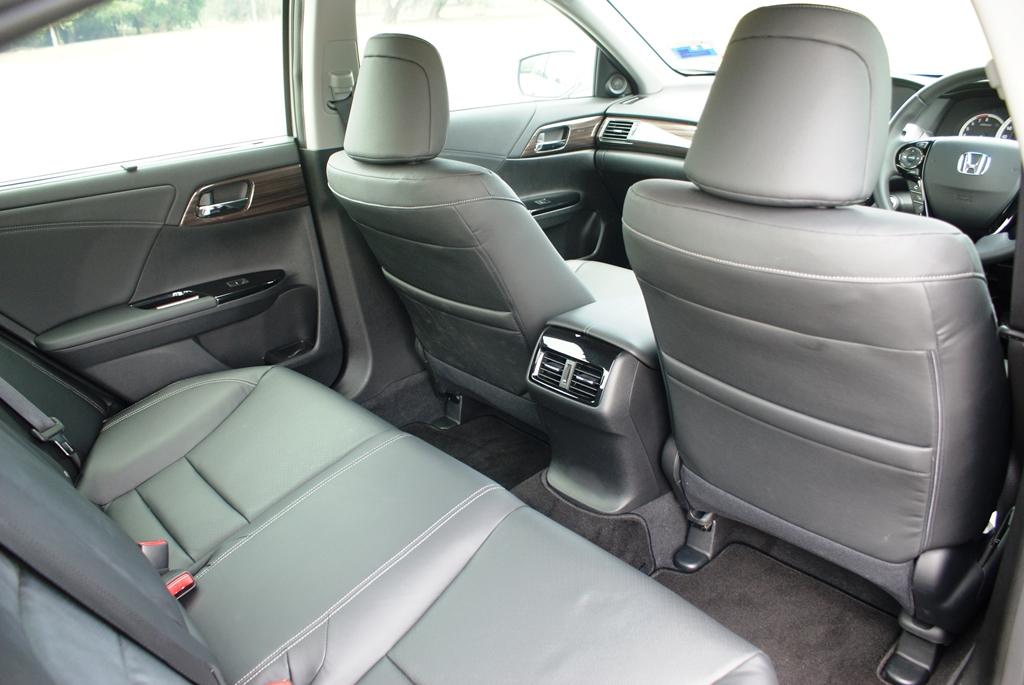 Honda Accord Review 19