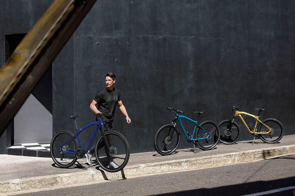 P90276497_highRes_bmw-m-bike-limited-c