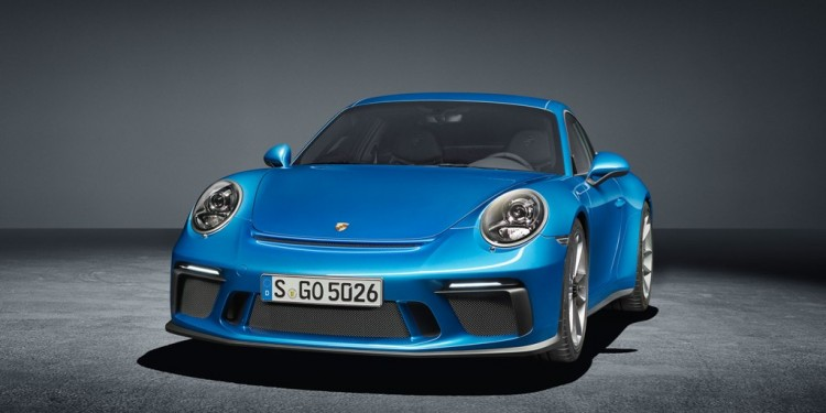 high_911_gt3_with_touring_package_2017_porsche_ag