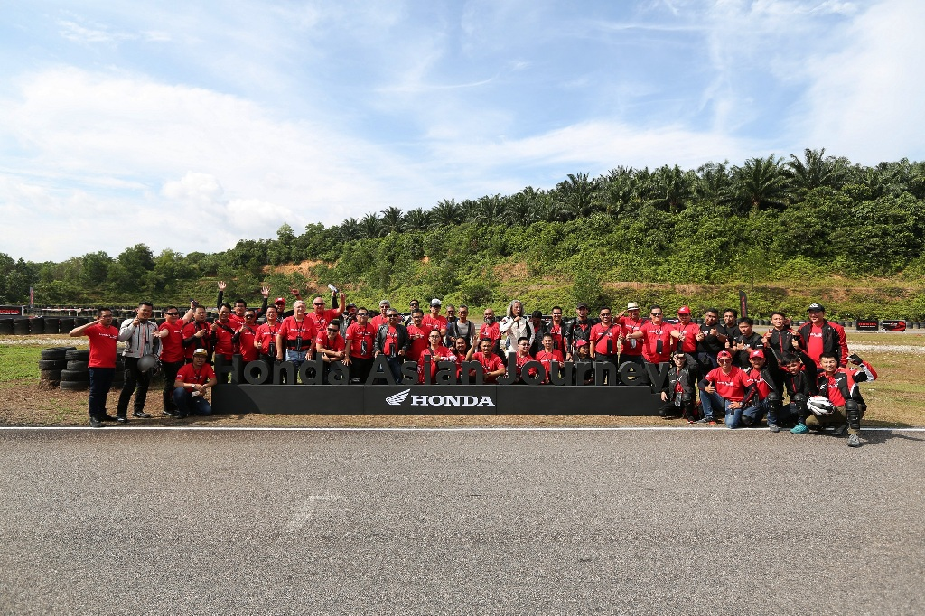 Honda Asian Journey participants group photo