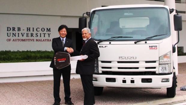 Photo-Isuzu-Truck-for-Education-Enhancement-at-DHU-620x350