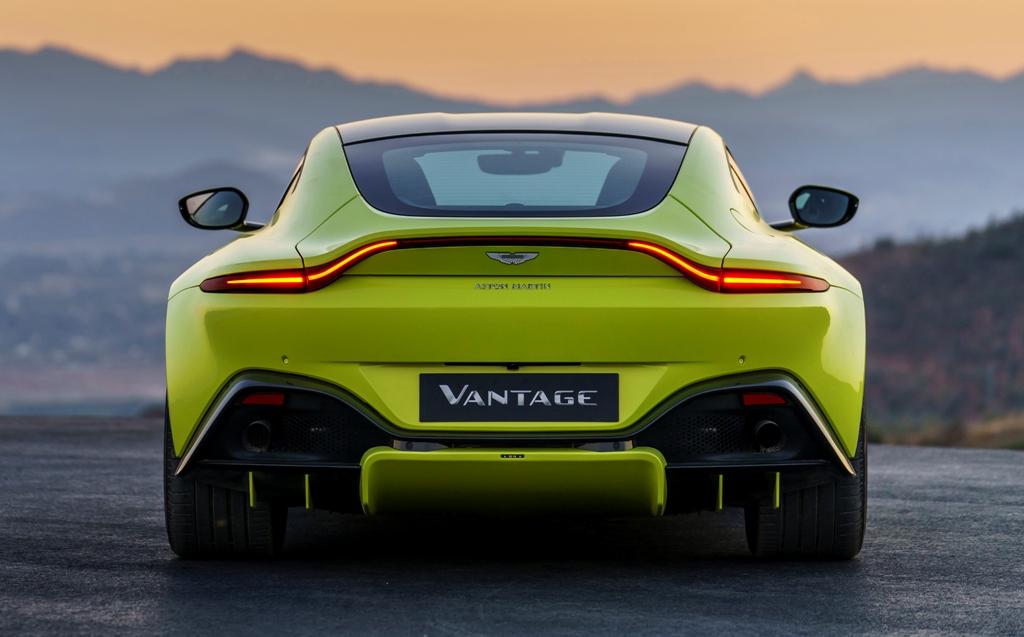 Aston_Martin_VantageLime_Essence22-jpg