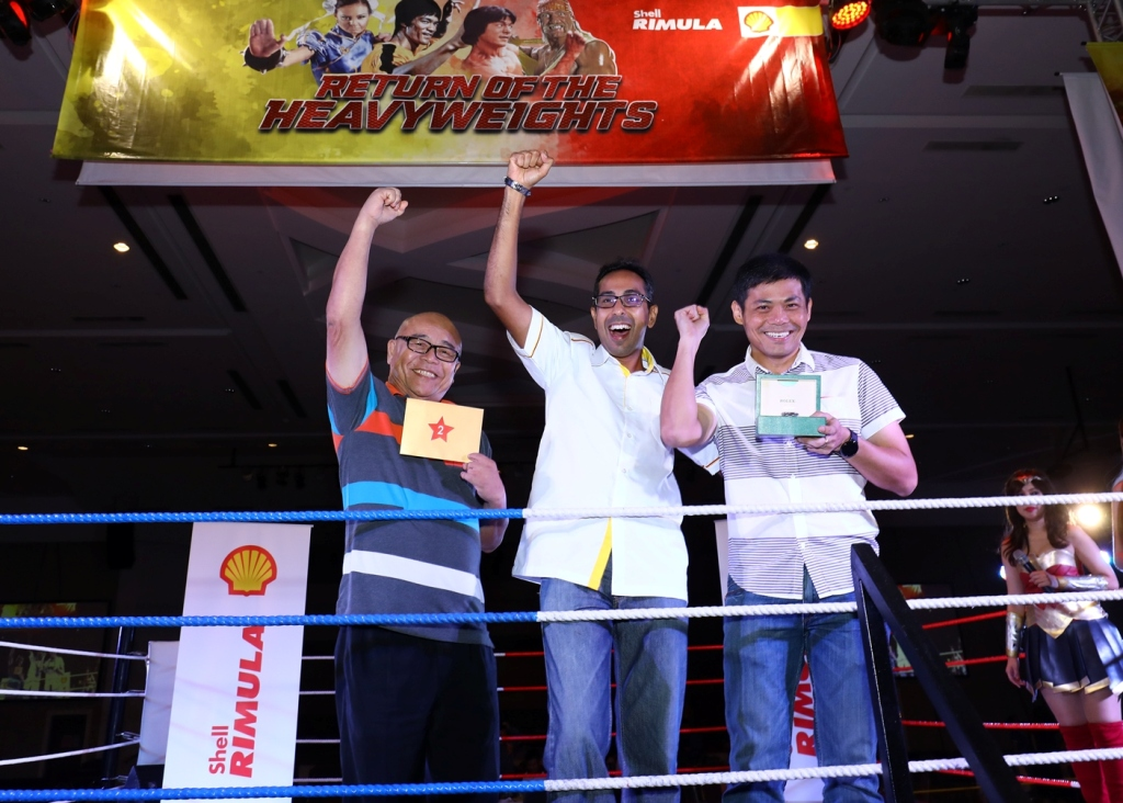Shell Lubricants GM Baljit Singh (centre) with the big winners of the 20...