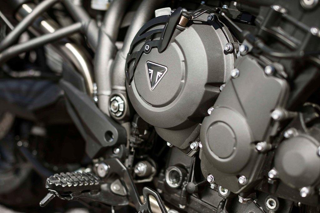 Triumph Tiger 800 04