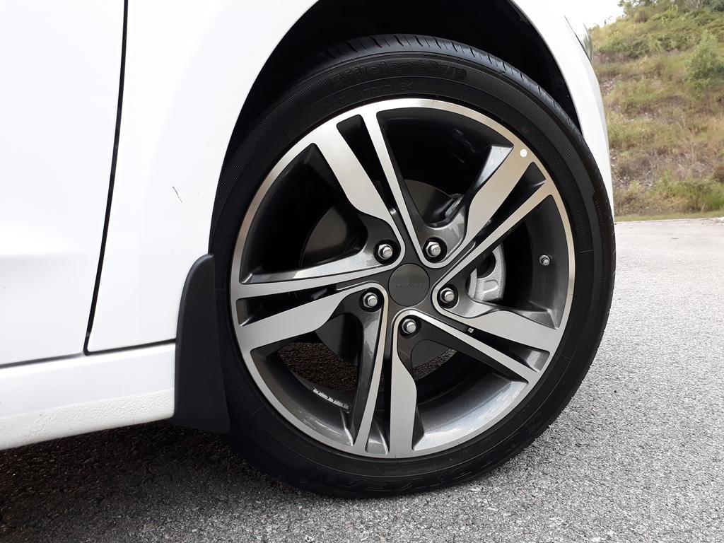 Hyundai Elantra review 23