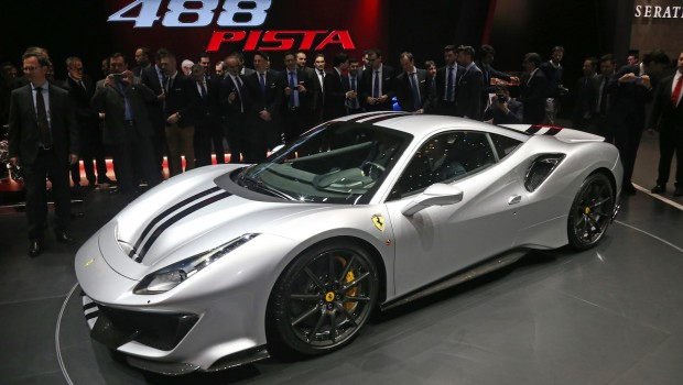 060318_unveil_Ferrari-488-Pista_GIMS002-620x350