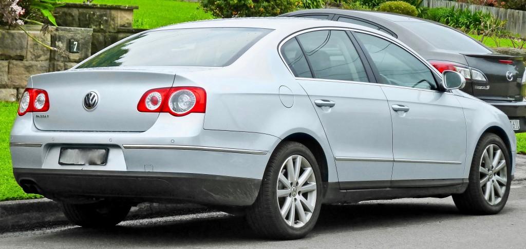2880px-2006-2010_Volkswagen_Passat_(3C)_sedan_(2011-07-17)_02 2