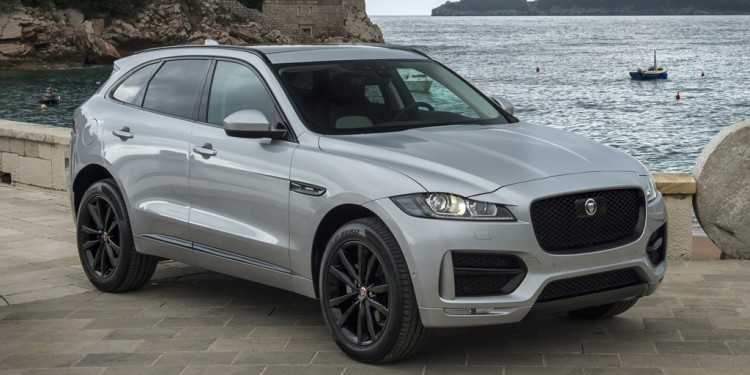 JAGUAR F-PACE R-Sport with Black Pack (2)